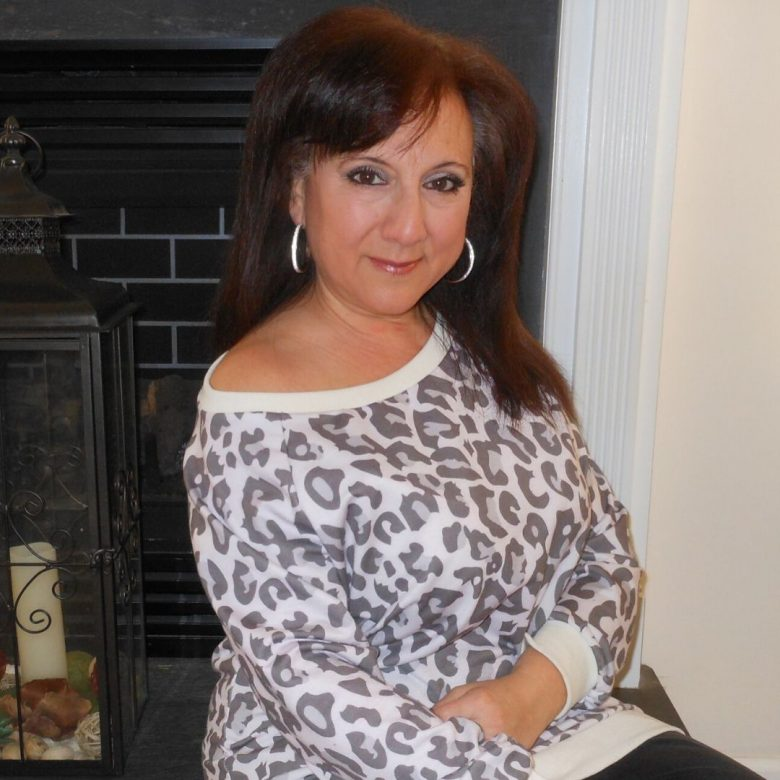 leopard print trend, fashion for women over 40, petite style