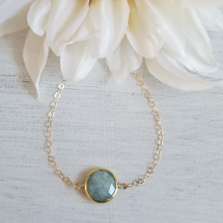 Dainty gold Aquamarine necklace